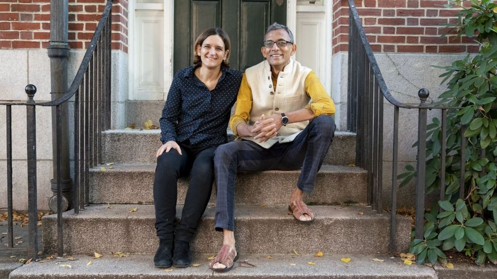 Picture of Ester Duflo and Abhijit Banerjee