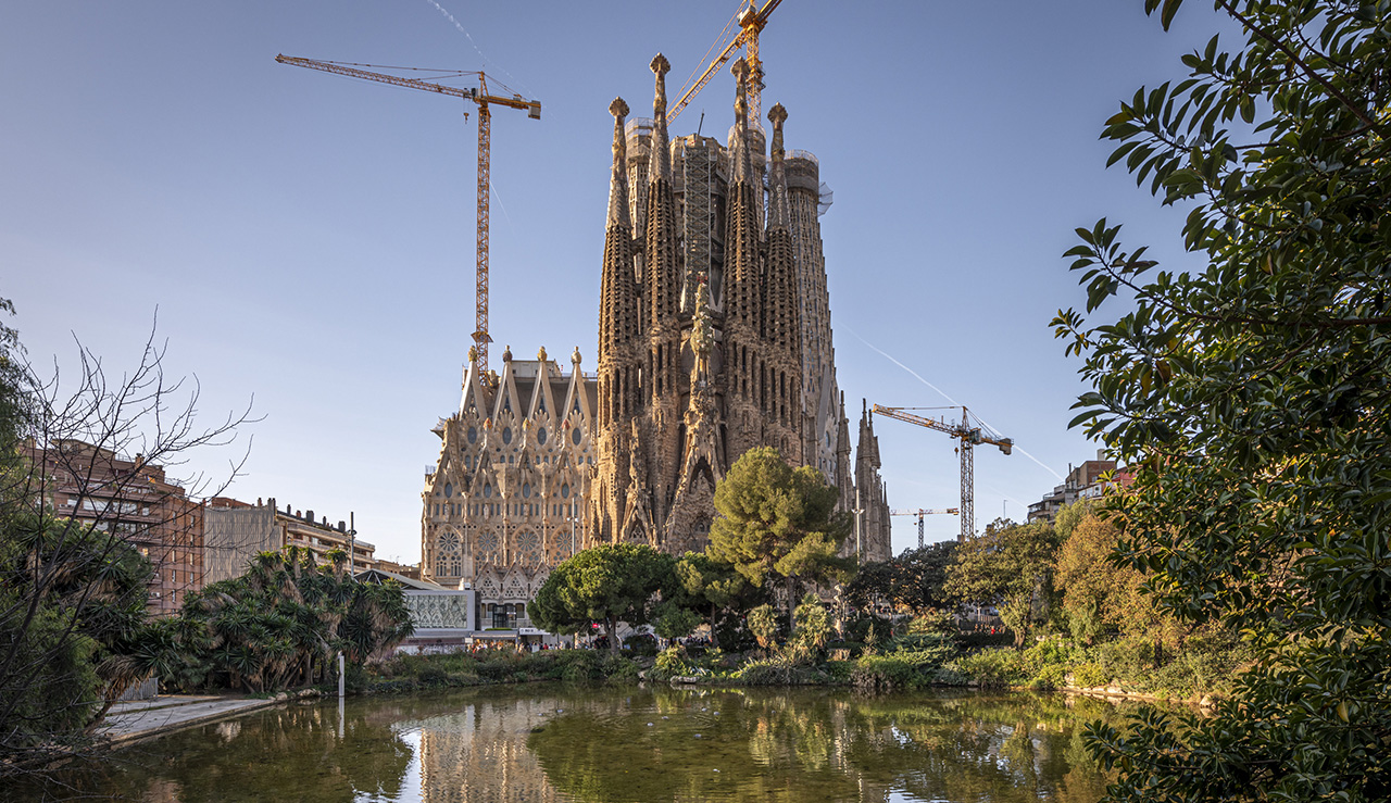 Exterior picture of the Sagrada Familia