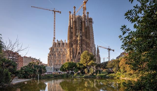 Exterior picture of the Sagrada Familia